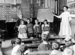Chelsea,_England,_Spelling_Lesson,_1912