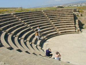 800px-Paphos_Amphitheatre